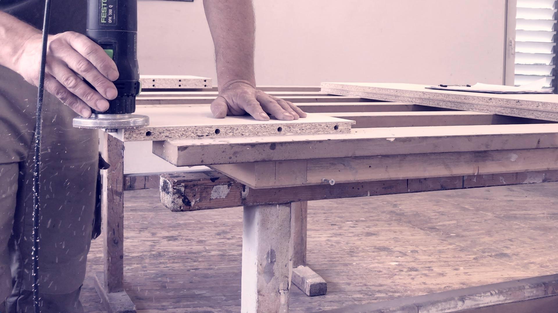 Die Möbelwerkstatt, Tischlerei und Schreinerei Scholz entwirft und konstruiert Möbel und Inneneinrichtungen für Wohnzimmer, Esszimmer, Schlafzimmer, Bad und Küche.